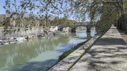 Roma, fiume Tevere, ponte Regina Margherita