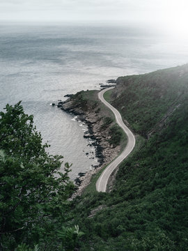 Straße die zum Ende einer Insel führt