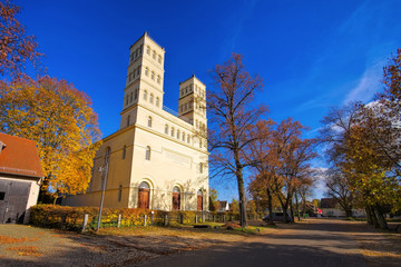 Straupitz Schinkelkirche im Spreewald im Herbst - Straupitz Schinkelkirche in Spree Forest in fall