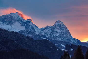 Alpenglühen auf der Zugspitze Wall mural