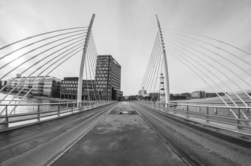 symetrical bridge
