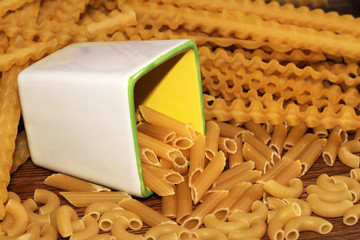Scattered dry pasta, Italian food