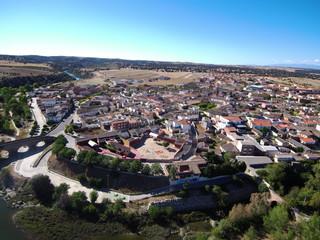 El Puente del Arzobispo, pueblo de Toledo, en la comunidad autónoma de Castilla-La Mancha. Esta localidad destaca por su cerámica