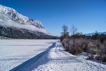 Winterlandschaft mit Straße