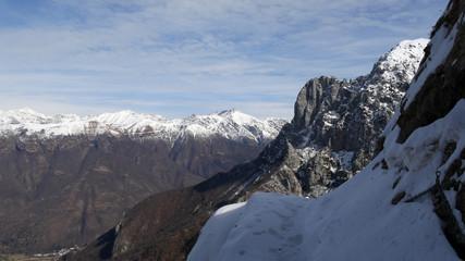 Inverno sulle alpi Lecchesi, bosco della Grigna
