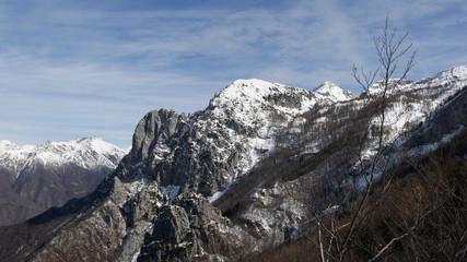 Panorama invernale di montagna sulla Grigna