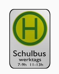 Deutsche Verkehrszeichen: Schulbushaltestelle auf weiß isoliert.