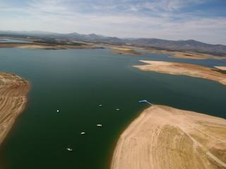 Vista aerea embalse de Zarza de Granadilla. municipio español de Cáceres, Comunidad Autónoma de Extremadura (España) entre los valles del río Alagón y  el río Ambro