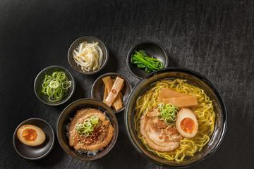 典型的なラーメン Ramen set of typical Japanese style