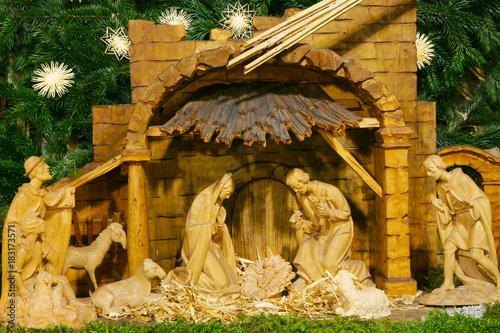 Bilder Krippe Weihnachten.Christmas Weihnachten Weihnachtskrippe Krippe Holz Geschnitzt