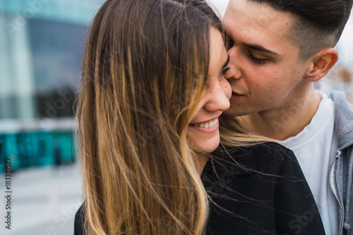 how to kiss standing up