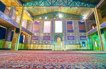 Prayer hall of Hazayer Mosque in Yazd