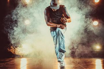 Young man break dancer Fotoväggar