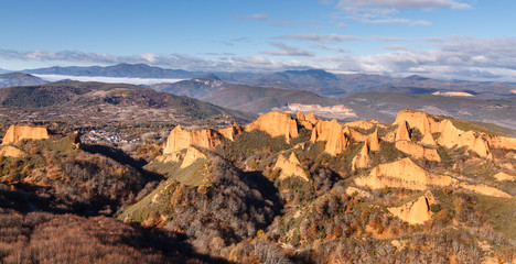 Vista de Las Médulas. Explotación minera de oro romana. Patrimonio de la Humanidad de la Unesco. El Bierzo, León, España.