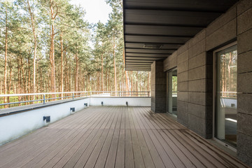 Smart composition of trees with wood