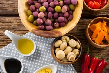 Marinated olives with various ingredients