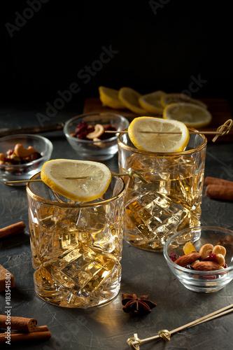 cocktail with lemon and ice stockfotos und lizenzfreie bilder auf bild 183541580. Black Bedroom Furniture Sets. Home Design Ideas