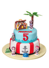 Magnificent decorative cake with pirate and treasure chest of stories.