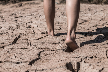 The feet that walk on the ground break because of drought.