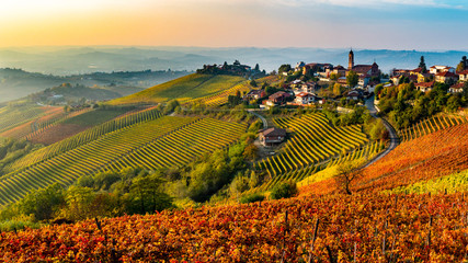 Foto op Textielframe Wijngaard Italian village from the Langhe region in Italy