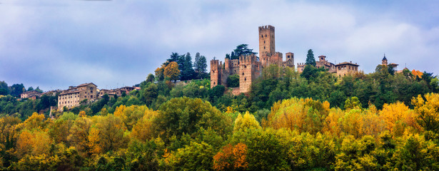 Medieval towns and castles of Italy - Castell'Arquato in Emilia-Romagna Wall mural