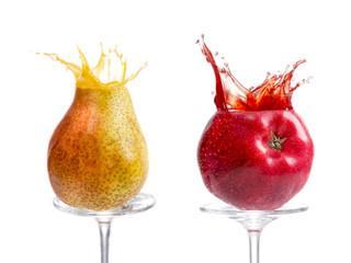 Apfel und Birne mit Saftsplash