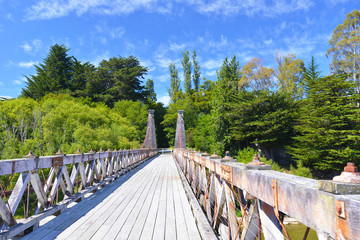 Historic suspension bridge near Clifden, New Zealand. Built in 1899, it spans the Waiau River and is 111.5 m long.