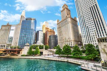 Photo sur Plexiglas Chicago Northern Chicago River Riverwalk on North Branch Chicago River in Chicago, Illinois