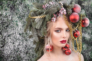 xmas tree in hairstyle