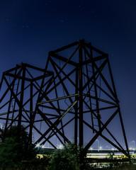 工場跡地と星空