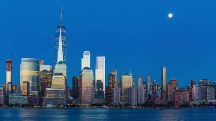 Fototapete - Night Falling and Moon Rising over Lower Manhattan Time Lapse