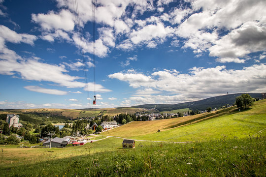Sommertag in Oberwiesenthal unter Wolken