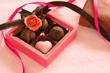 チョコレートとギフトボックス