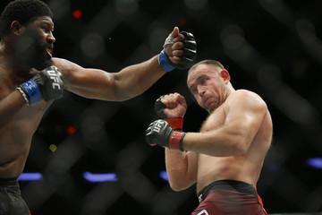 MMA: UFC 217-Blaydes vs Oleinik