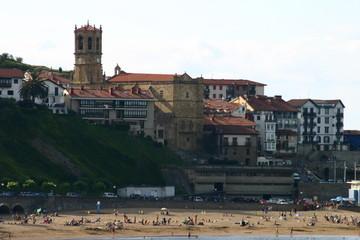 Guetaria / Getaria, pueblo de Guipúzcoa, País Vasco (España) conocido por ser la localidad del marino Juan Sebastián Elcano, el primer hombre que dio la vuelta al mundo
