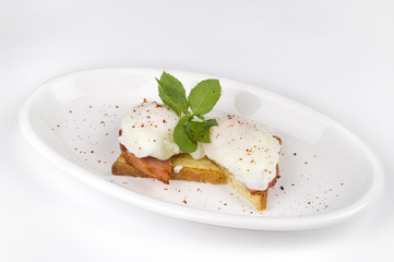 toast with bacon and poached egg