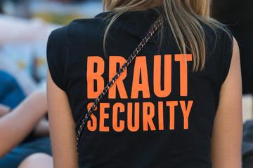 Braut Security beim Junggesellinnenabschied