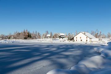 Étang de Haute-Saône en hiver