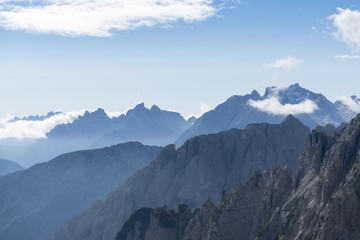 Italien, Dolomiten, Hochpustertal, Naturpark Drei Zinnen (Parco Naturale Tre Cime), Blick von der Auronzo Hütte nach Südosten.