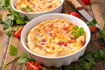quiche with egg and bacon