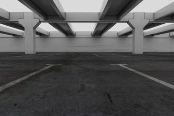 Parkhausdach bei grauem Himmel