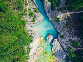Photo sur Plexiglas Vue aerienne aerial view on the mountains river