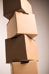 Gestapelte Pakete Hochformat