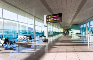 Poster Airport A view of empty hall of hte modern airport