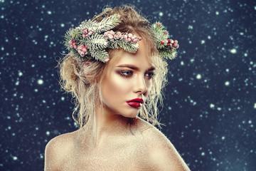 creative xmas hairstyle