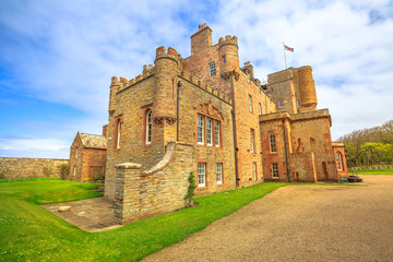 Keuken foto achterwand Kasteel Castle of Mey or Barrogill castle near Thurso and John o' Groats on north coast of the Highland in Scotland, United Kingdom on a sunny day. Popular landmark and famous touristic attraction.