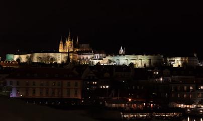 In de dag Stockholm Vue de la cathédrale saint guy et du palais sur le pont Charles dans la nuit, Vieille ville (Stare Mesto), Prague, Bohême, République tchèque, Europe