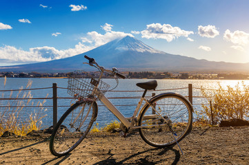 Wall Mural - Bicycle at Kawaguchiko and fuji mountain, Japan.