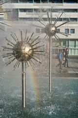 Springbrunnen in einer Einkaufsstraße in der Innenstadt von Dresden