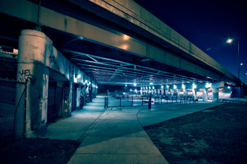 Fotomurales - Gritty and scary city skate park at night in urban Chicago.